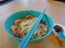 ある日の晩御飯10 屋台の蝦海鮮麺 / マレーシア