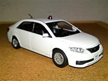 〈1/43〉TOYOTA ALLION (ZRT261) A20 警察本部刑事部捜査車両