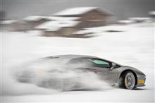 ランボルギーニと雪