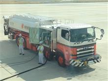 日野高床4軸の燃料補給車