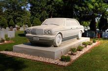ベンツの墓