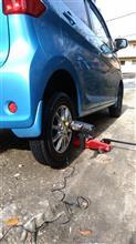 タイヤ交換2台目。