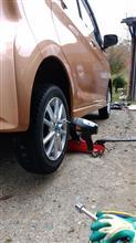 タイヤ交換3台目。
