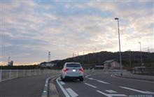 BMW X3... at break of dawn. 本、読書... 小さなクリスマス...