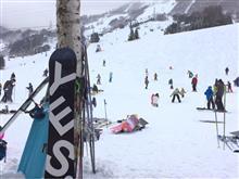 今日は苗場でスノーボード