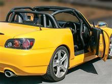 S2000(AP1/AP2)用ロールバーにダッシュボード逃げタイプが新たに設定されました。