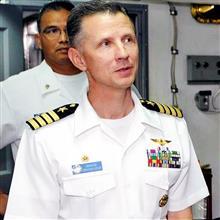 トモダチ作戦、空母ロナルド・レーガンのトム・バーク艦長。
