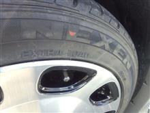 タイヤ買いました
