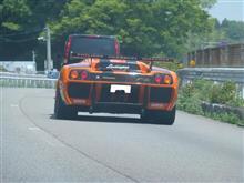 レーシングカーに遭遇!