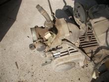 カブのエンジンとキャブを洗いました