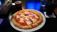府内五番街のピザ