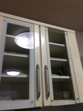 震災で壊れた食器棚を修理した