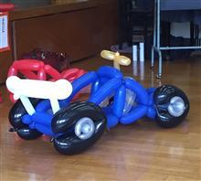 バルーンアートのレースカー