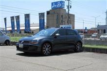 メンテナンスは大事...VW ゴルフⅦ GTI エンジンオイル交換 FUCHS C3
