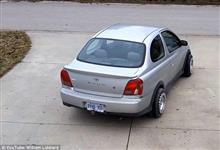 ヌルヌル動く360°回転可能なタイヤが登場!車庫入れも簡単になるぞ