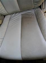 オーテックが純正採用しているシートクリーナーで約17万キロ(ほぼ)ノーメンテナンスのE51ライダーの白本革シートをクリーニングしてみた。