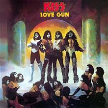 MUSIC MOMENT  Kiss - Love Gun