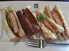 お昼ご飯(((((((((((っ・ω・)っ ブーン