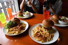 ハンバーガーとおでん( *´艸`)