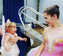 天使のような赤ちゃんが一目ぼれした瞬間が可愛すぎると世界中で話題に!!