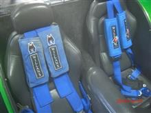マフラー補修とシートベルトクッション。