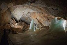 100年前に発見された「氷の宮殿」が半端なく神秘的だと話題に!