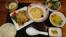 お昼は中華