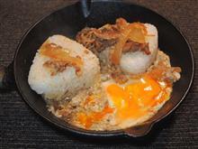 すき家牛丼の具を使い、スキレット牛・タマゴとじ^^)v