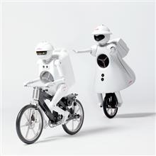 自立する自動二輪車 (Honda Riding Assist)