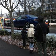 車、止まる(つД`)ノ