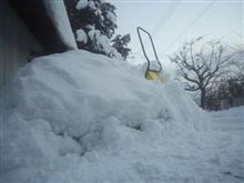雪かきは続く (´ヘ`;)ハァ