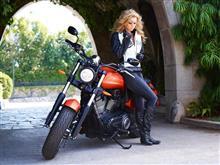 すげぇ~ バイクのお姉さん・・・