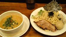 ワケありで急きょ休暇で,晩御飯は春夏冬でつけ麺。 濃厚つけ麺の鶏,¥1030。 魚介も選べます。( ̄∀ ̄)
