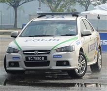 マレーシア警察 プロトン インスピラ の パトカー が たびたび ニュース に 登場 ・・・・