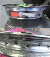 二輪&四輪ワイヤーホイールの曲り割れ修理からパウダーコート