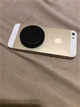 iphoneをシートレールにマグネットで固定