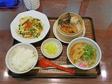 阪神高速神戸線東行京橋PA たけのこと豚バラ肉の豆板醤炒めとミニラーメンセット890円