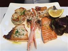 ある日の晩御飯22 駅前レストランで食べる海鮮料理 / Milan Italy