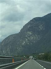 街道の風景4 スイスに向かう街道