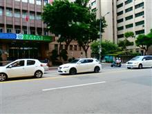 台湾でのCT200h、台北駅近く