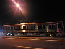 最新の電車は道路も走れます。