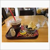 カフェへ・・・・