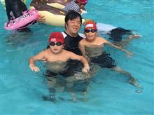 家族でプールに行って来ました(^-^)/