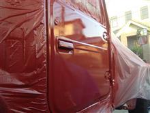 ランクル41V 右ドア赤塗り完了〜