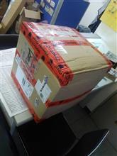 ドイツから大きな箱が届きました!!