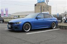 メンテナンスは大事...BMW F30 320d エンジンオイル+オイルエレメント交換