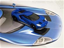 実車の像を拝みたくなる、フォードGTのトミカ