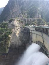 黒部ダムとその下へ2