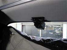 トヨタ、ハイエース。2台目バックカメラ(室内)、ミラーモニター(常時表示)。