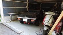 ガレージに眠るロータスヨーロッパとCB400four